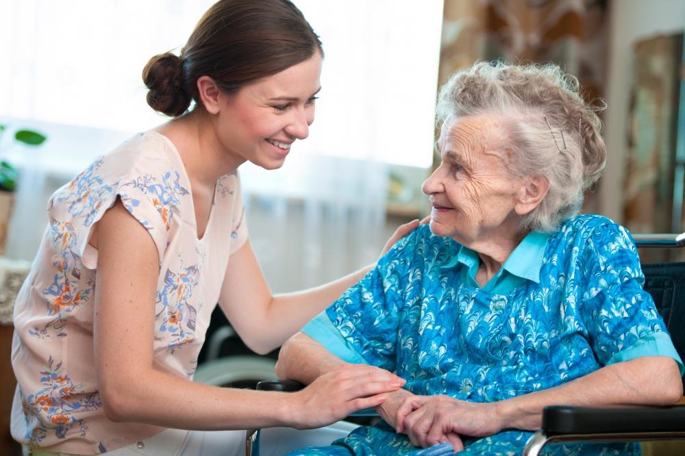 Image Aide A La Personne aide à la personne pour personne âgée ou dépendante à redon et vitré